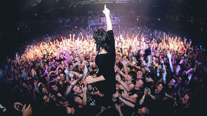 skrillex new years 2015 positive speech